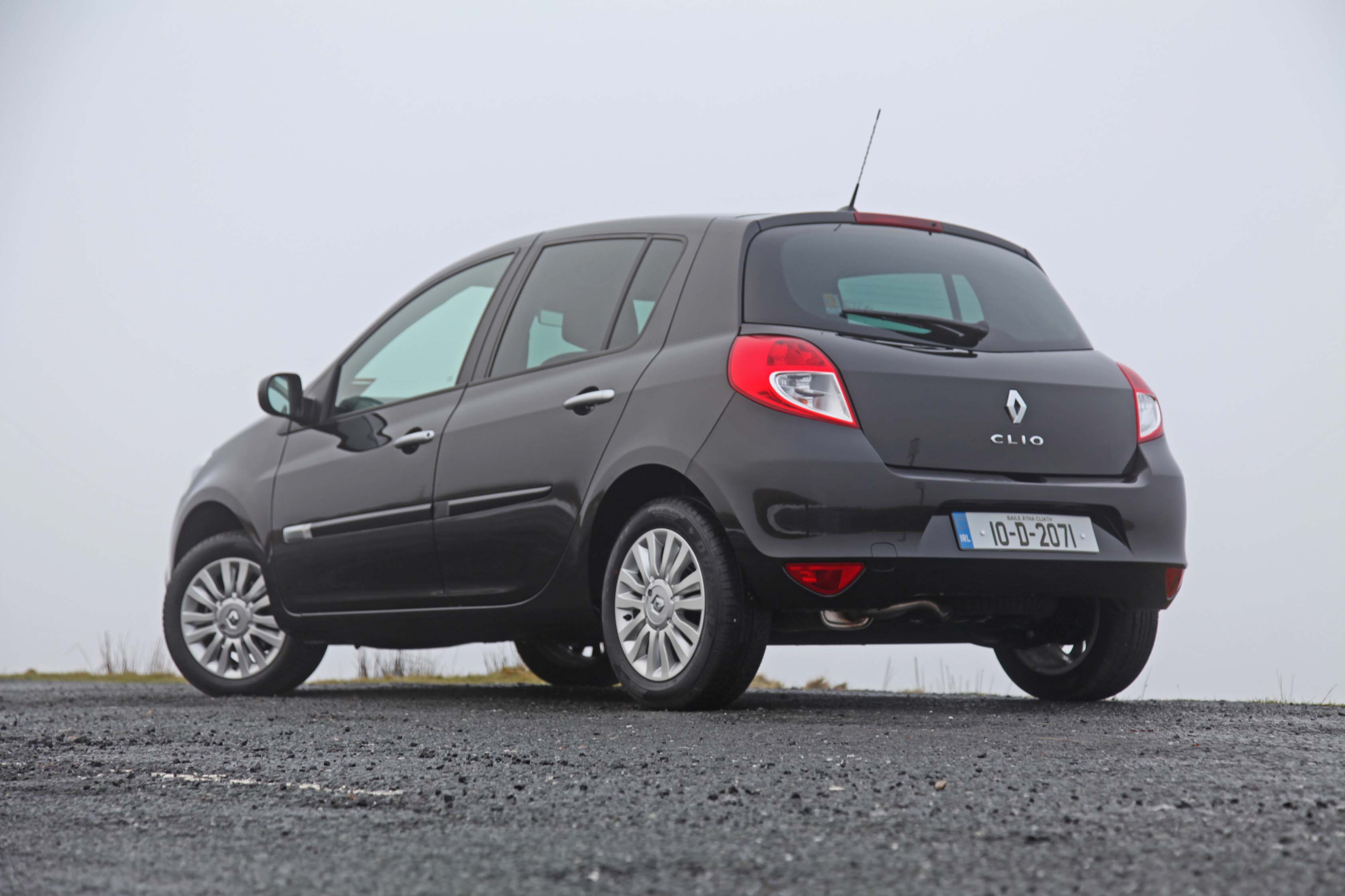 renault clio petrol 2010 smokerspack car reviews. Black Bedroom Furniture Sets. Home Design Ideas